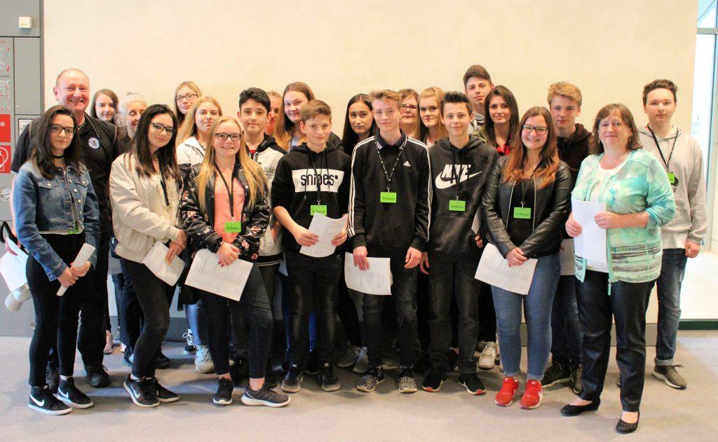 Marianne Schieder besucht die Mittelschule Maxhütte Haidhof