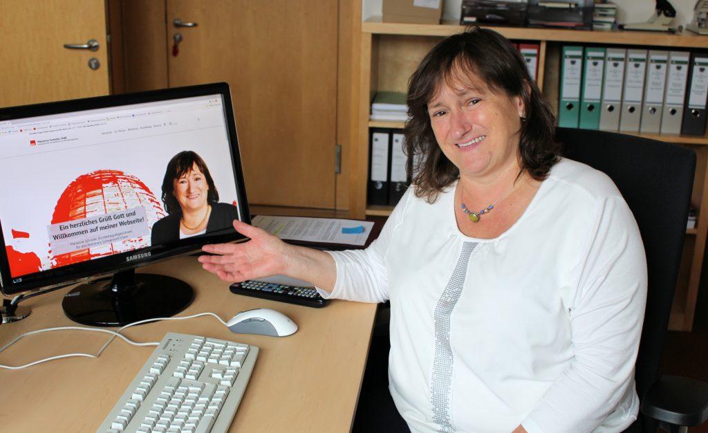 """""""Ein herzliches Grüß Gott und Willkommen auf meiner Webseite"""" – MdB Marianne Schieder präsentiert ihren neuen Internetauftritt"""
