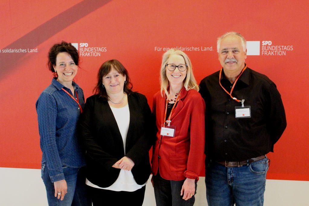 v.l.n.r. Patricia Groth, MdB Marianne Schieder, Susanne Bankhead, Klaus Langenbach (Foto: Anna Johow)