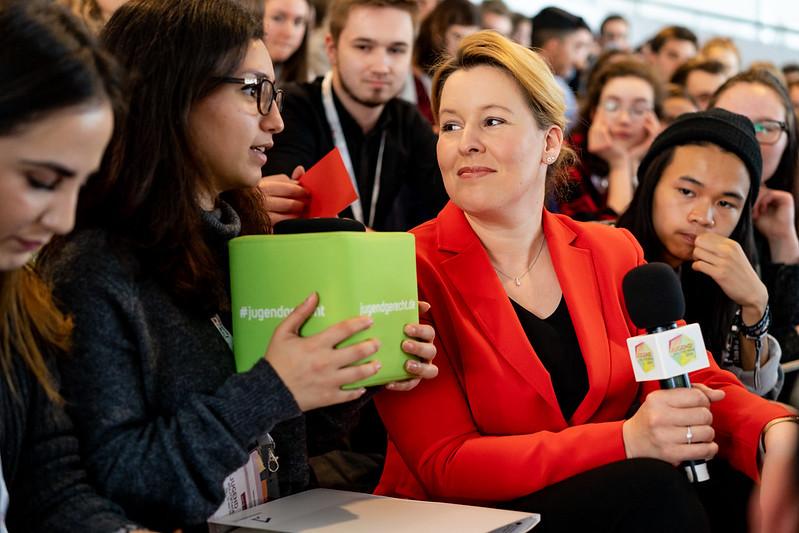 Bundesjugendministerin Dr. Franziska Giffey, bei der Eröffnung der letztjährigen JugendPolitikTage. (Foto: Jugendpresse Deutschland/Annkathrin Weis)