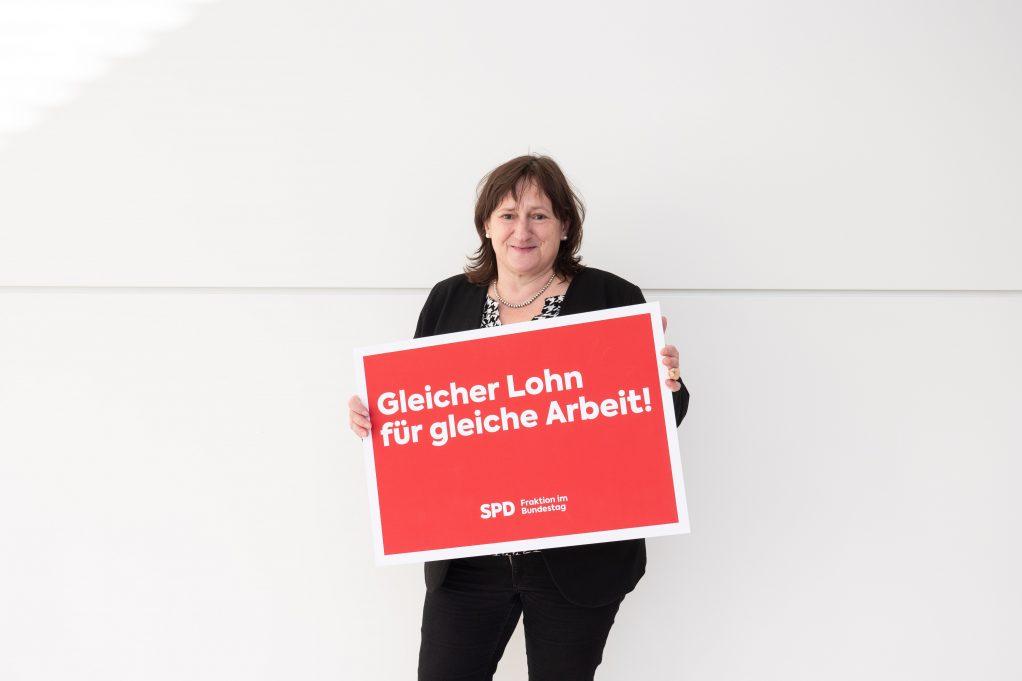 MdB Marianne Schieder wirbt für mehr Lohngerechtigkeit (Bild: spdfraktion.de)