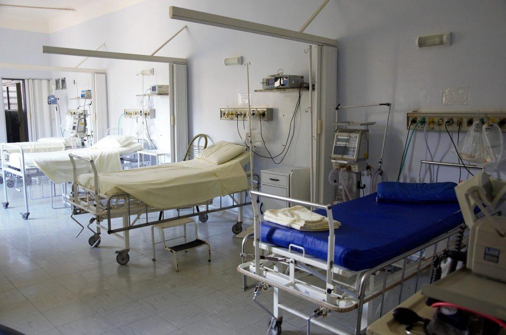 Zusätzliche Betten in Krankenhäusern werden finanziert.